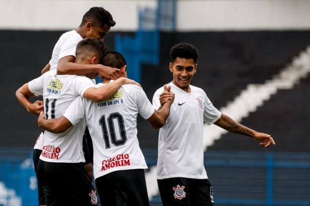 966fba43f83 Corinthians segura pressão do Guarani e vai à semifinal do Paulista ...