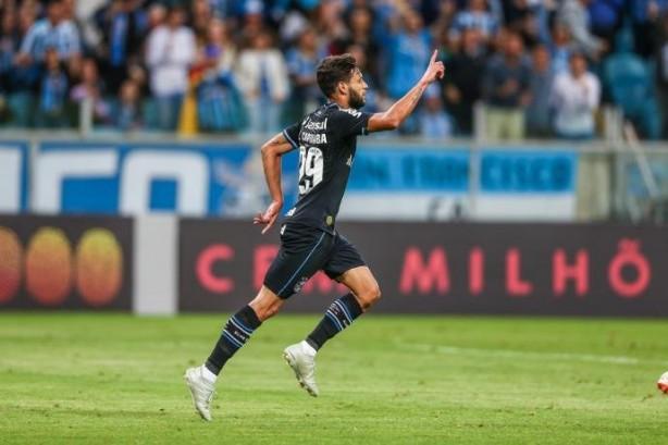 Grêmio abre negociação com Corinthians por Juninho Capixaba  pedida ... 5d47550d173f3