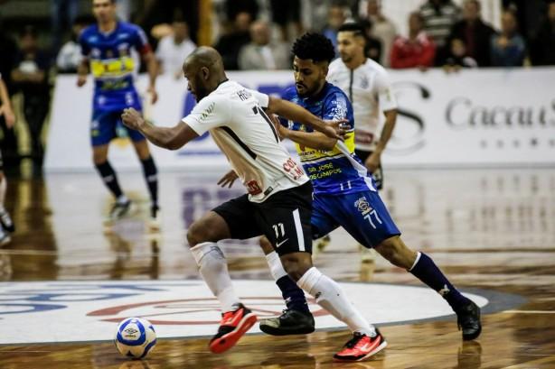 Corinthians repete placar e vai à quarta final consecutiva da Liga Paulista  de Futsal a6a548aaa7203