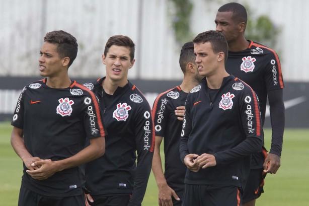 Elenco do Corinthians treinou na manhã desta quarta-feira 2eeed61421697