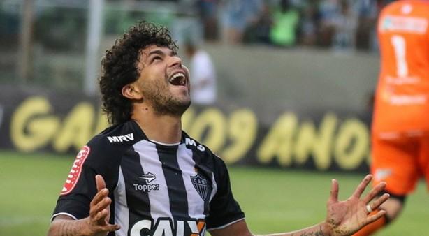 b9b6ddf6fb Luan pode ser reforço do Corinthians em 2019  clube tenta chegar a um  acordo com