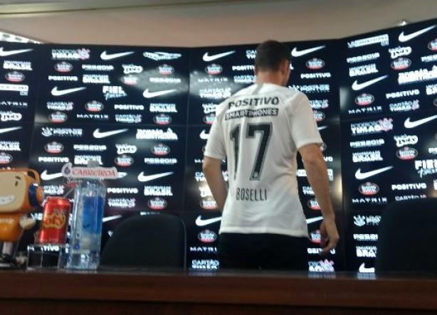 Argentino vestiu sua camisa com o número 17 396e21ce03979