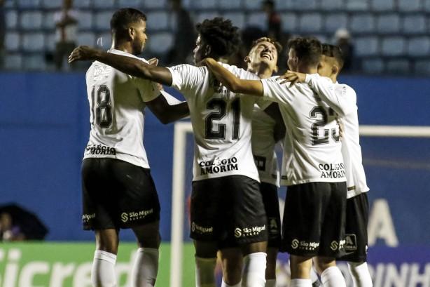 27a22d810a Corinthians pega Grêmio por vaga na semifinal da Copinha  saiba tudo