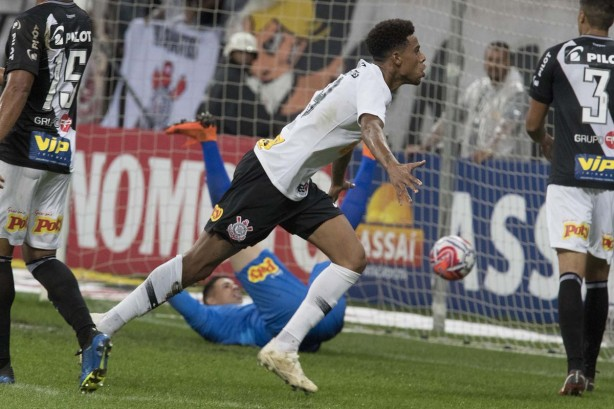 b4e3538b940bf Gustagol vibra com gol diante da Ponte Preta