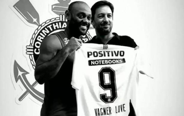 Corinthians confirmou a numeração do atacante em Stories no Instagram b4abb3a7d16b6