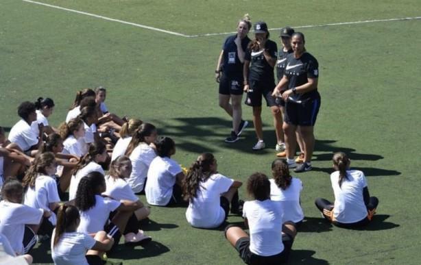 7b2d88fa90 O Corinthians alertou para possível prática de golpe em suas categorias  femininas