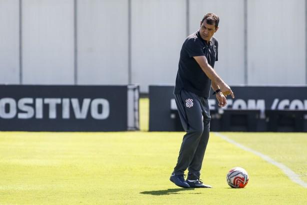 Carille comandou última atividade do Corinthians antes da segunda fase da  Copa do Brasil 4e67bfda3b274