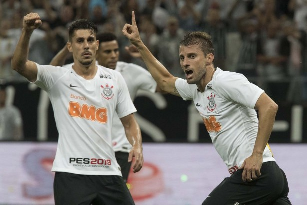 cfe68b29921 Últimas do Corinthians  vitória suada em Itaquera