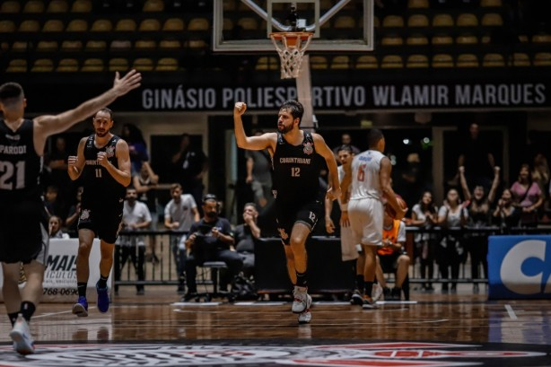 Giovannoni foi destaque do Corinthians nas oitavas de final do NBB