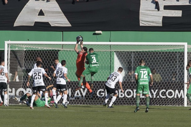 Corinthians face each other
