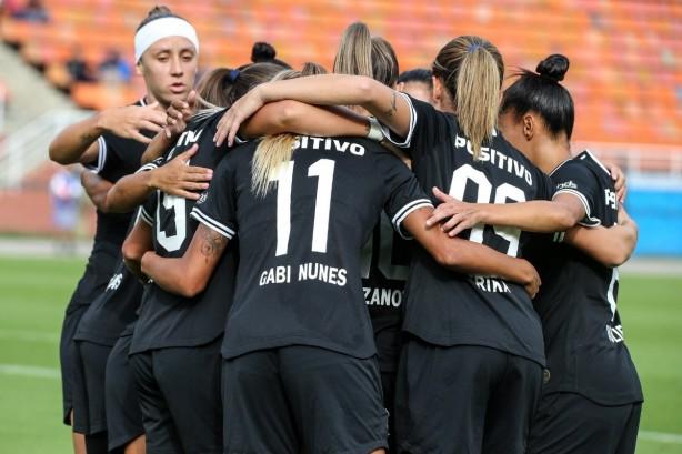 The girls from the Corinthians beat Santos in Pacambubu