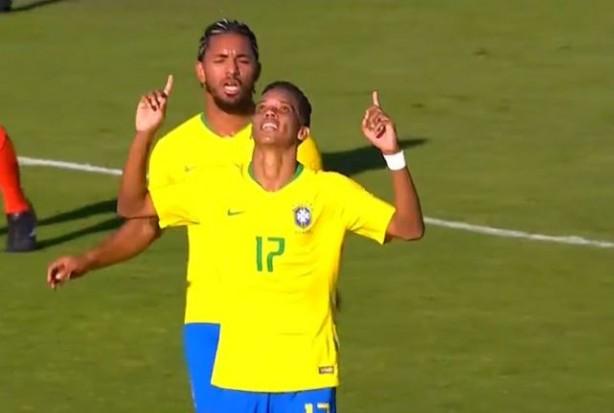9516026ce7 Pedrinho faz gol em sua estreia pela Seleção Olímpica e abre caminho ...