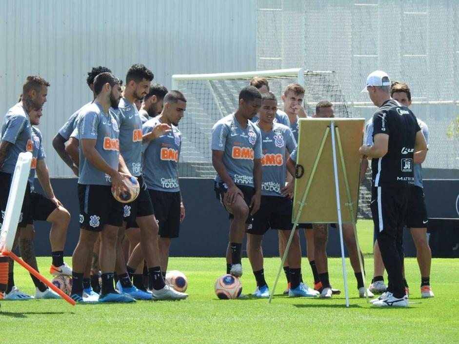 Primeiro treino do Corinthians após Florida tem mudanças, veja a provável escalação