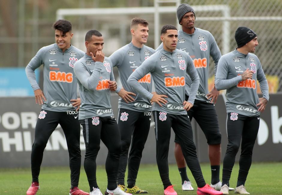 Corinthians Faz Ultimo Treino Antes De Embarcar Para Duelo Com O Sport Veja Provavel Time