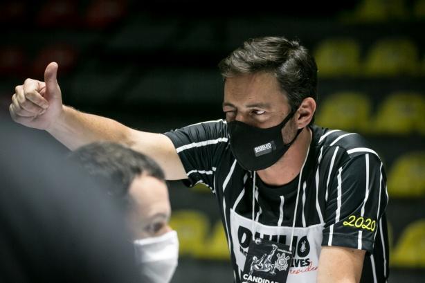 Duílio Monteiro Alves vence eleição e é o novo presidente do Corinthians;  oito chapas foram eleitas