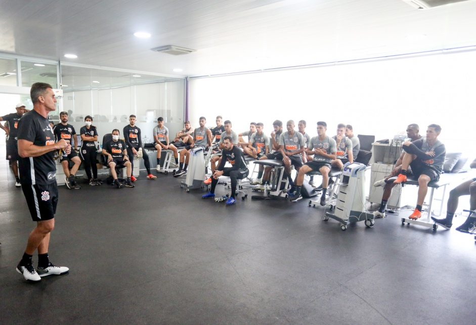 Corinthians inicia 2021 com 81 jogadores profissionais sob contrato; veja a lista
