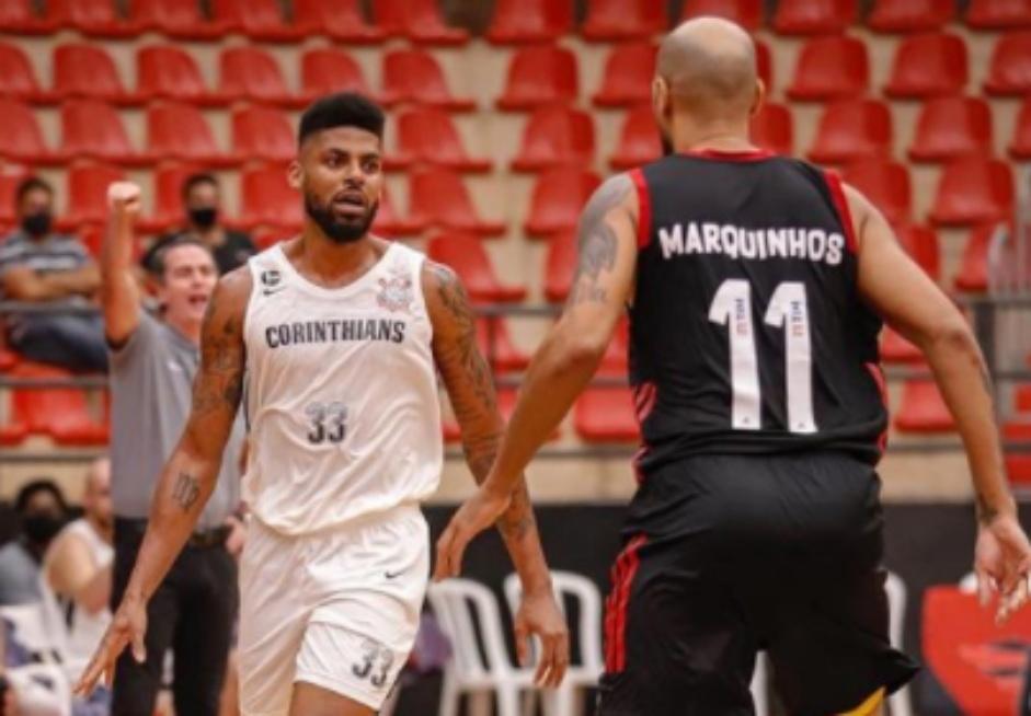 Malcolm Miller é um dos atletas a ficar no Corinthians por mais uma temporada