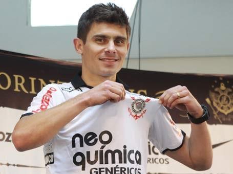 Corinthians aceita negociar Alex. Decisão de trocar de clube agora depende apena