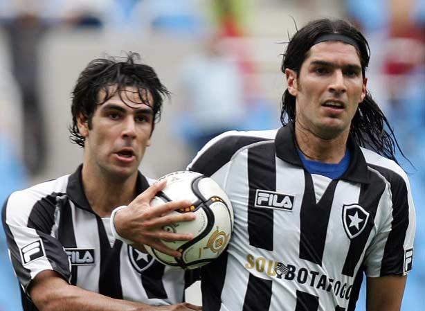 Herrera e Loco Abreu podem estar de saída do Botafogo e dupla interessa ao Timão