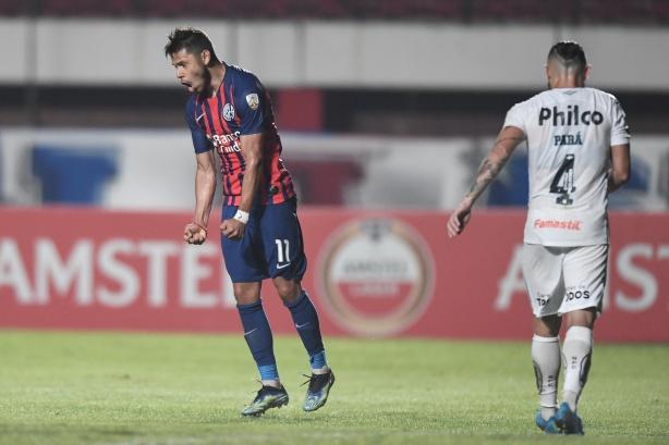 Rival dá exemplo e ainda pode colocar Romero na rota do Corinthians