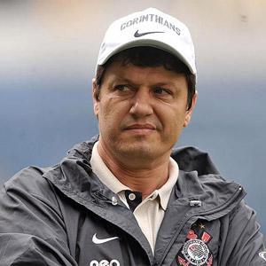 Resultado de imagem para Adilson Batista contra o Corinthians