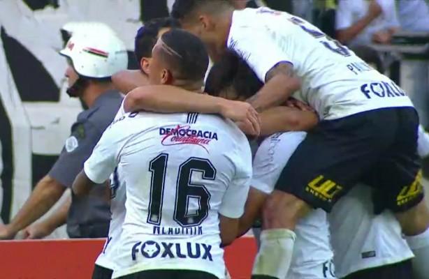 VÍDEO  Confira os melhores momentos de Corinthians 1x0 Palmeiras 5b214d933a212