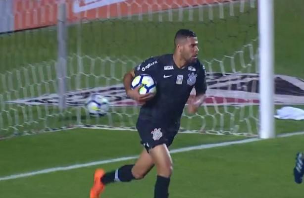 eb82144ff2406 Confira os lances da derrota do Corinthians por 3 a 1 contra o São Paulo