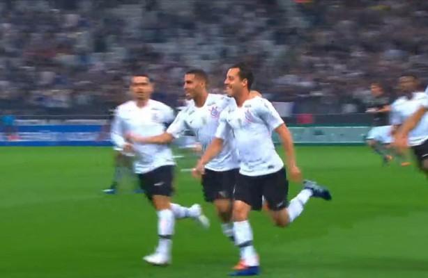 10257f630cc VÍDEO  Confira os melhores momentos da vitória do Corinthians sobre ...