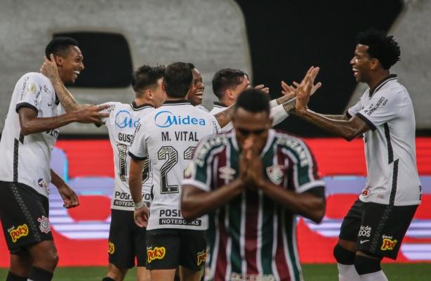 Corinthians 5 x 0 Fluminense (90 minutos em 5) - O Mancinismo está muito  online!