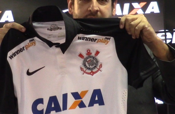 VÍDEO  Corinthians anuncia novo patrocínio para camisa bbadc598e4d0c