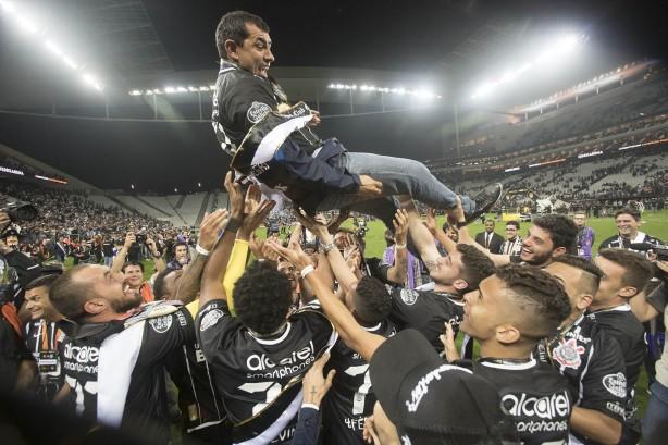 eb055dddba 107 anos de Corinthians  clube pode fechar temporada com três ...