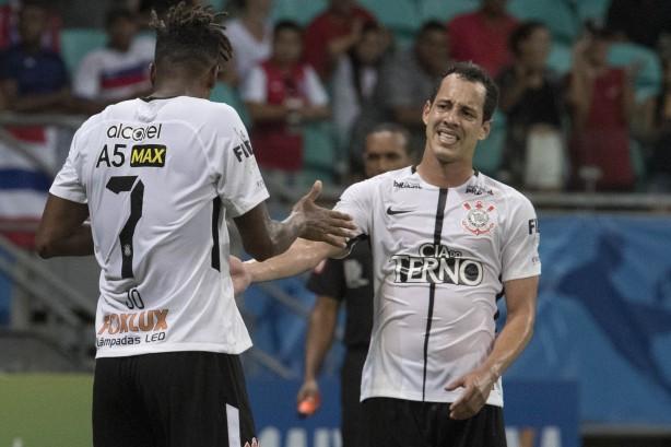 Fiel viu Corinthians perder Jô 5e361eab3767c