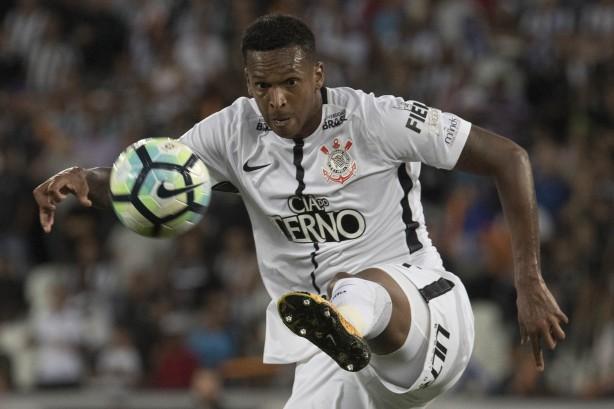 Corinthians anuncia patrocínio máster até fim de 2017 3afceed045706