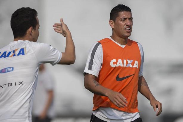 6dc4cb48df Ralf defendeu Corinthians de 2010 a 2015  volante pode voltar para  Libertadores-2018
