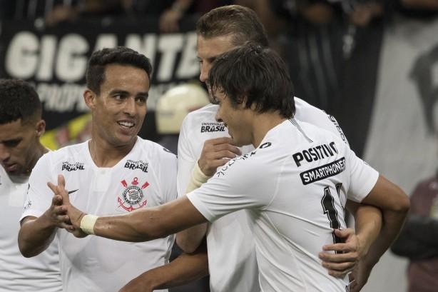 Osmar Loss e jogadores do Corinthians parabenizam Corinthians nas ... 5529d18df6d27