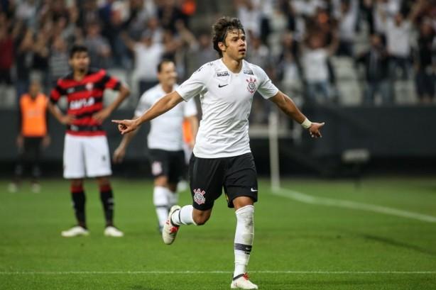 Romero marcou dois gols na partida contra o Vitória. cd99164848aa5
