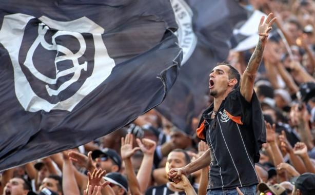 38aaf44ee5722 Torcida do Corinthians terá ingressos mais baratos para assistir aos jogos  na Arena