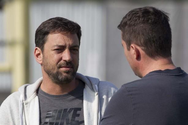 9de42114c4 Diretor do Corinthians admite interesse em volante do Fluminense e ...