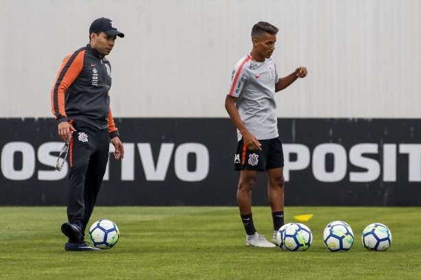 Corinthians se reapresenta com reservas e pode ter três mudanças ... 6f317a617b8a3