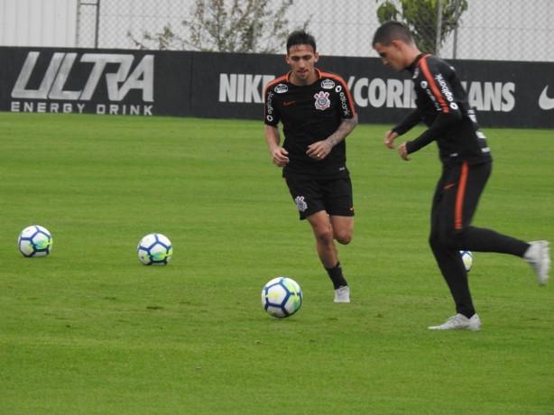 Gustavo Silva (centro) projetou a temporada 2019 do Corinthians 769b38c838083