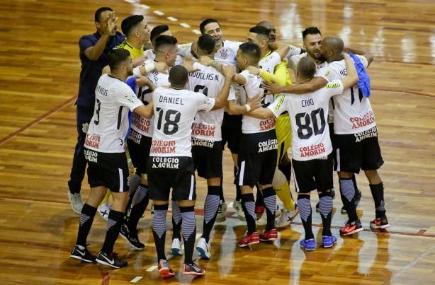 Corinthians tenta nesta segunda vaga às quartas de final da Liga Nacional  de Futsal 1156afce0570d