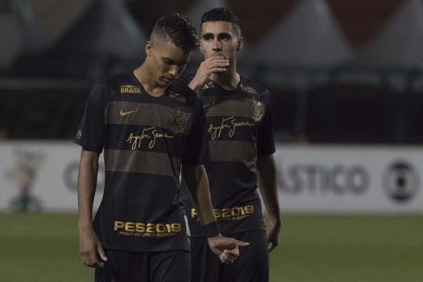 Corinthians vem de derrota para o Santos na última partida disputada pelo  Brasileirão c6d2380c44044
