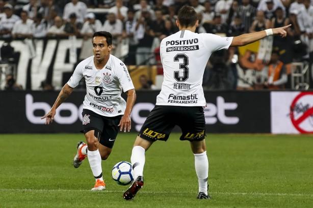 a6fa523aee7c4 Corinthians de Jadson e Henrique flerta com marca do rebaixamento de 2007