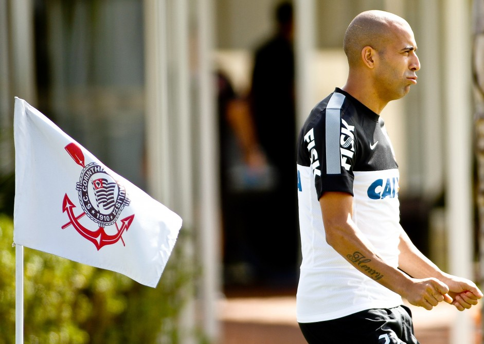 Sheik segue 'influente' nos bastidores do Corinthians