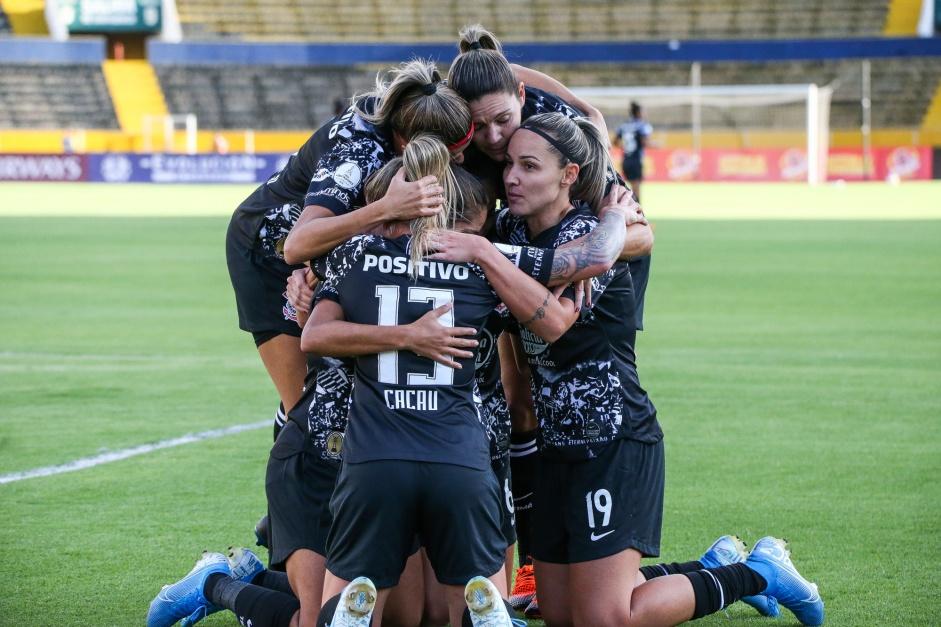 """""""Parece imparável"""", FIFA elogia golaço em tiki-taka do Corinthians"""